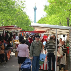 walking market Bastille