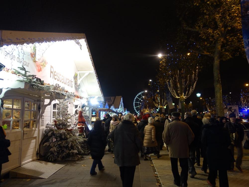 Paris Xmas market restaurant