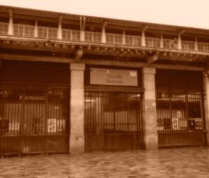Closed market Paris