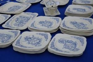 vintage plates L'Isle-sur-la-Sorgue