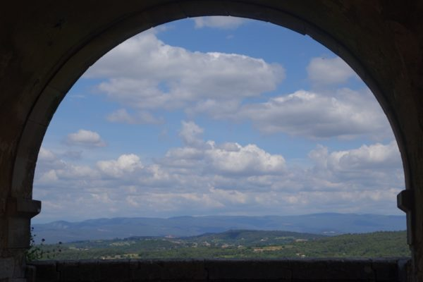 arched view from Menerbes