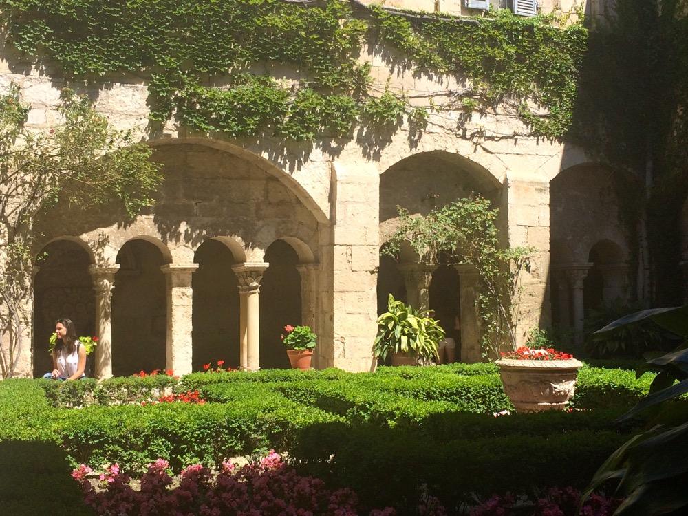 Van Gogh sanitarium courtyard